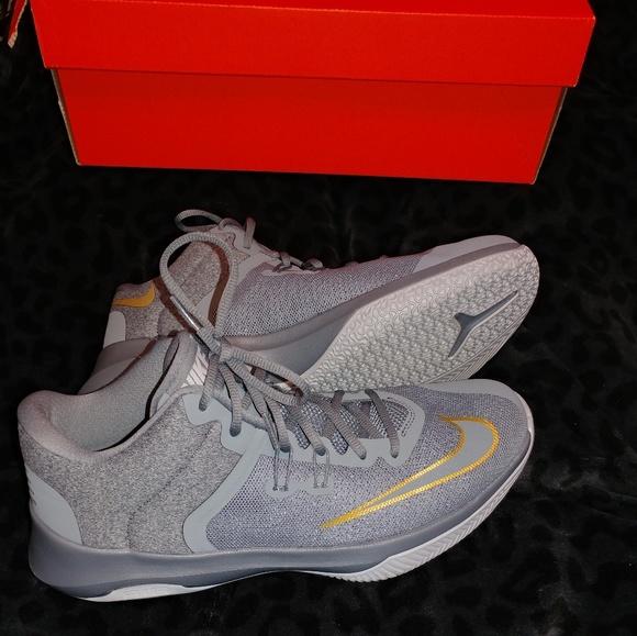 Nike Shoes | Nib Nike Air Versatile Ii